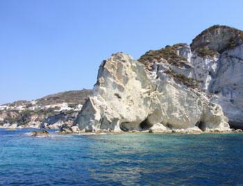 latinamipiace_isole-pontine-ponza-punta-e-faraglioni-della-madonna