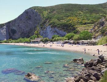 latinamipiace_isole-pontine-ponza_spiaggia-del-frontone