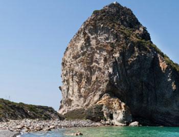isole-pontine-palmarola_cala-del-porto-spiaggia-francese