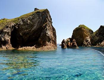 isole-pontine-palmarola_faraglioni-di-mezzogiorno