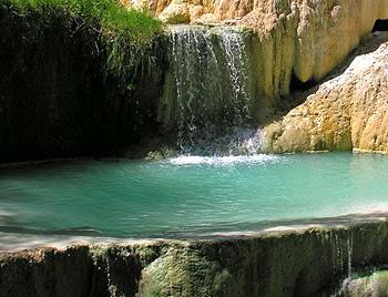 Terme di suio oasi di relax della provincia di latina - Suio terme piscine ...