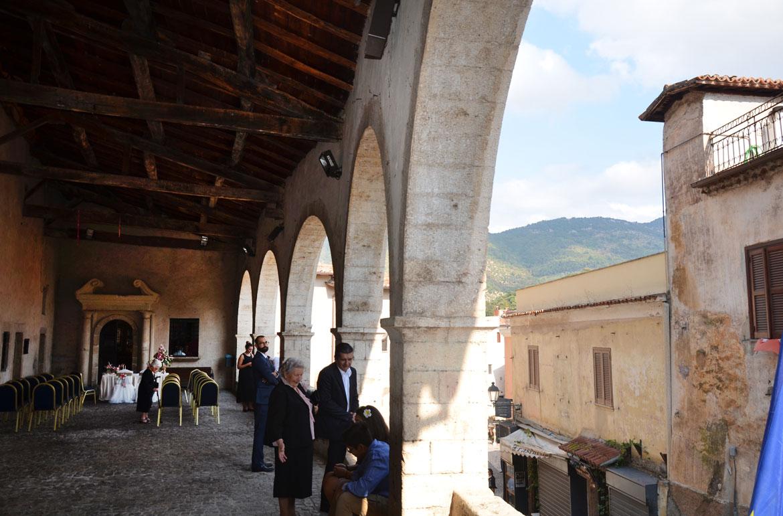 Sposarsi-in-Comune-Sermoneta-Loggia-dei-Mercanti-location-Provincia-di-Latina-latinamipiace