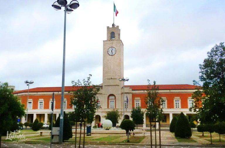 Piazza-del-Popolo-Torre-Civica-citta-di-Latina-latinamipiace