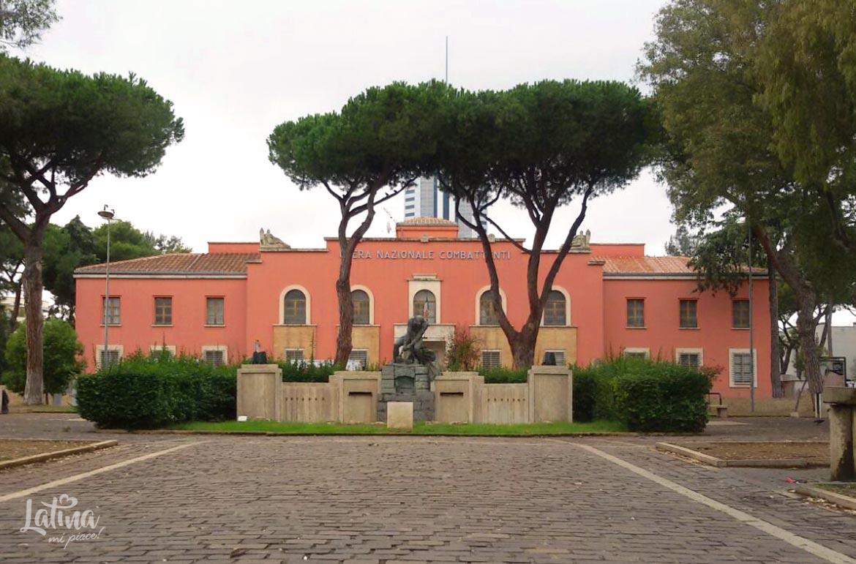 Piazza-del-Quadrato-citta-di-Latina-latinamipiace