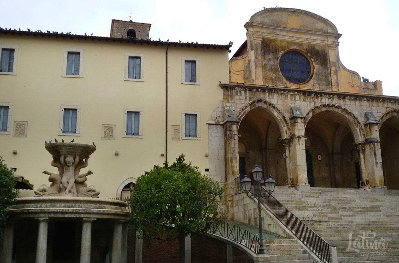 Duomo-di-Santa-Maria-Annunziata-Centro-storico-Priverno-cosa-vedere-latinamipiace