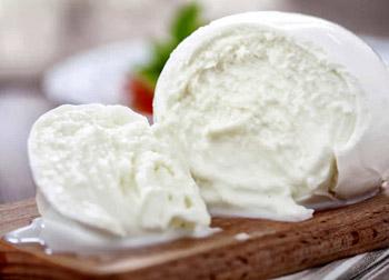 Mozzarella-di-bufala-pontina-prodotti-tradizionali-provincia-di-latina-latinamipiace